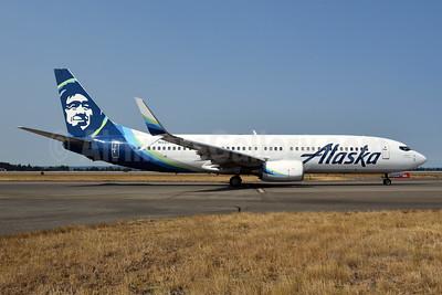 Alaska Airlines Boeing 737-890 SSWL N588AS (msn 35685) SEA (Bruce Drum). Image: 104701.