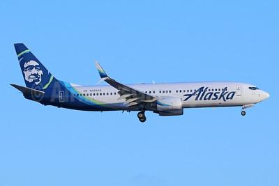 Alaska Airlines Boeing 737-890 SSWL N558AS (msn 35177) LAX (Michael B. Ing). Image: 942030.