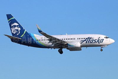 Alaska Airlines Boeing 737-790 WL N615AS (msn 30344) LAX (Michael B. Ing). Image: 938712.