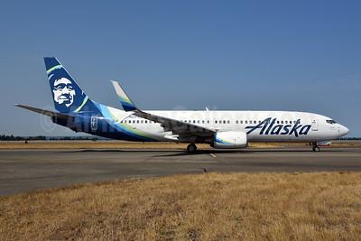 Alaska Airlines Boeing 737-890 SSWL N517AS (msn 35197) SEA (Bruce Drum). Image: 104698.