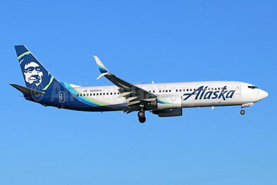 Alaska Airlines Boeing 737-890 SSWL N590AS (msn 35687) SNA (Michael B. Ing). Image: 941631.
