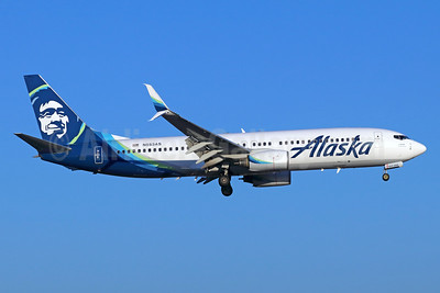 Alaska Airlines Boeing 737-890 SSWL N553AS (msn 34594) SNA (Michael B. Ing). Image: 940197.