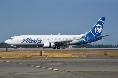Alaska Airlines Boeing 737-890 SSWL N586AS (msn 35189) SEA (Bruce Drum). Image: 104700.