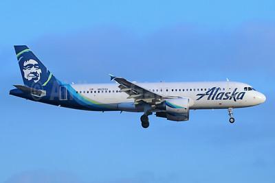 Alaska Airlines Airbus A320-214 N625VA (msn 2800) LAX (Michael B. Ing). Image: 942651.