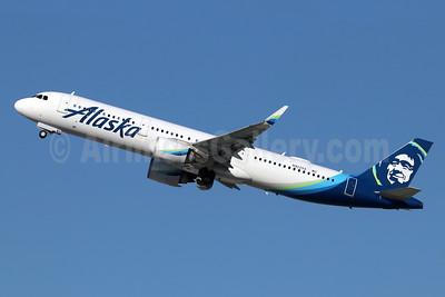 Alaska Airlines Airbus A321-253N WL N922VA (msn 7639) LAX (Michael B. Ing). Image: 948393.