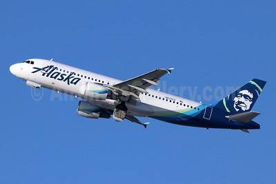 Alaska Airlines Airbus A320-214 N633VA (msn 3230) LAX (Michael B. Ing). Image: 944549.
