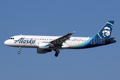 Alaska Airlines Airbus A320-214 N640VA (msn 4616) LAX (Michael B. Ing). Image: 945049.