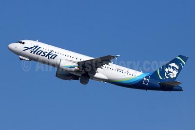 Alaska Airlines Airbus A320-214 N851VA (msn 4999) LAX (Michael B. Ing). Image: 945052.