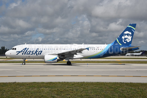 Alaska Airlines Airbus A320-214 N625VA (msn 2800) VCV (Derin Allard). Image: 940790.
