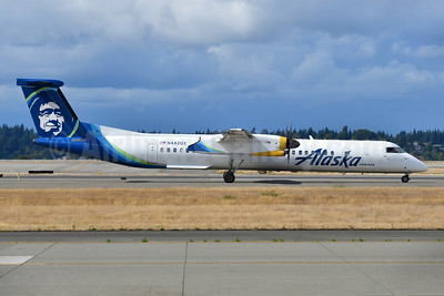 Alaska Horizon (Horizon Air) Bombardier DHC-8-402 (Q400) N442QX (msn 4352) SEA (Ken Petersen). Image: 955423.