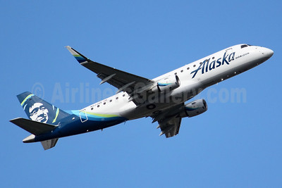 Alaska Horizon (Horizon Air) Embraer ERJ 170-200LR (ERJ 175) N622QX (msn 17000651) SEA (Joe G. Walker). Image: 940650.