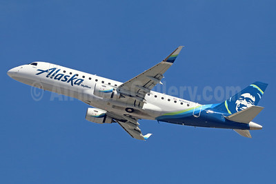 Alaska SkyWest (SkyWest Airlines) Embraer ERJ 170-200LR (ERJ 175) N186SY (msn 17000606) ONT (Michael B. Ing). Image: 938864.