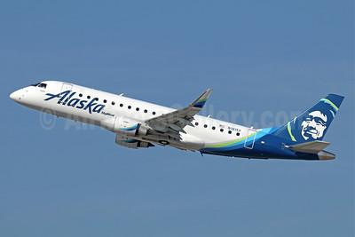 Alaska SkyWest (SkyWest Airlines) Embraer ERJ 170-200LR (ERJ 175) N181SY (msn 17000574) LAX (Michael B. Ing). Image: 940630.