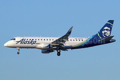 Alaska SkyWest (SkyWest Airlines) Embraer ERJ 170-200LR (ERJ 175) N177SY (msn 17000535) LAX (Michael B. Ing). Image: 940629.
