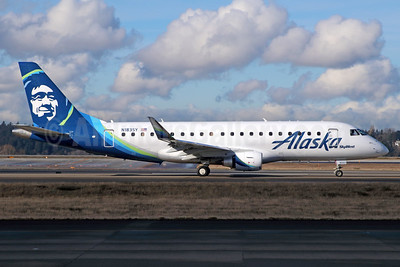 Alaska SkyWest (SkyWest Airlines) Embraer ERJ 170-200LR (ERJ 175) N183SY (msn 17000589) SEA (Michael B. Ing). Image: 937025.