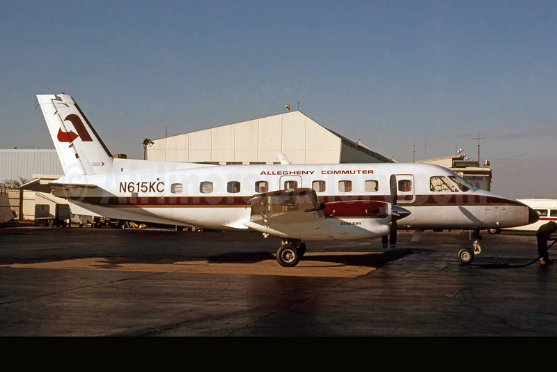 Allegheny Commuter-Aeromech Airlines Embraer EMB-110P1 Bandeirante N615KC (msn 110230) DCA (Jay Selman). Image: 400399.