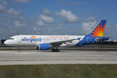 Allegiant Air Airbus A320-214 N231NV (msn 1171) FLL (Bruce Drum). Image: 104606.