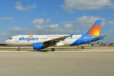 Allegiant Air Airbus A320-214 N222NV (msn 1530) FLL (Ken Petersen). Image: 948840.