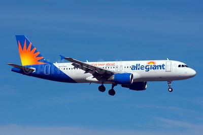 Allegiant Air Airbus A320-214 N217NV (msn 1347) (Travel is our deal) SFB (Bruce Drum). Image: 103853.