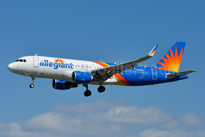 Allegiant Air Airbus A320-214 WL N252NV (msn 7868) BWI (Tony Storck). Image: 941357.