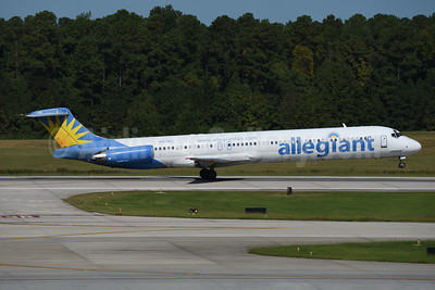 Allegiant Air McDonnell Douglas DC-9-83 (MD-83) N411NV (msn 53245) RDU (Ton Jochems). Image: 944220.