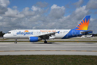 Allegiant Air Airbus A320-214 N225NV (msn 706) FLL (Bruce Drum). Image: 104608.