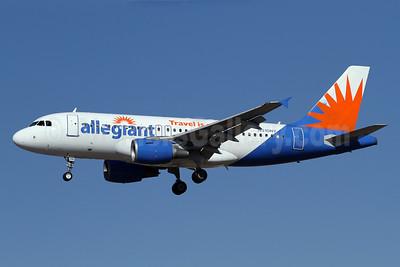 Allegiant Air Airbus A319-112 N310NV (msn 2224) LAX (James Helbock). Image: 921210.