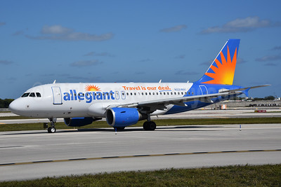 Allegiant Air Airbus A319-111 N331NV (msn 2625) (Travel is our deal) FLL (Bruce Drum). Image: 104447.
