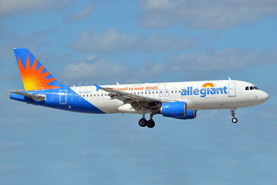 Allegiant Air Airbus A320-214 N216NV (msn 1318) (Travel is our deal) FLL (Bruce Drum). Image: 104449.