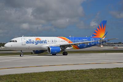 Allegiant Air Airbus A320-214 WL N247NV (msn 7704) FLL (Bruce Drum). Image: 104578.