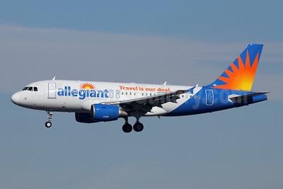 Allegiant Air Airbus A319-111 N303NV (msn 2271) LAX (Michael B. Ing). Image: 945675.