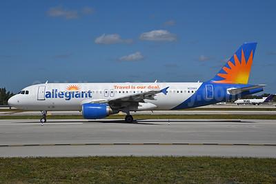Allegiant Air Airbus A320-214 N221NV (msn 1288) FLL (Bruce Drum). Image: 104451.