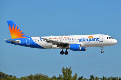 Allegiant Air Airbus A320-214 N221NV (msn 1288) FLL (Bruce Drum). Image: 104450.