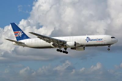 AmeriJet International Boeing 767-338 ER (F) N316CM (msn 24146) MIA (Jay Selman). Image: 402607.