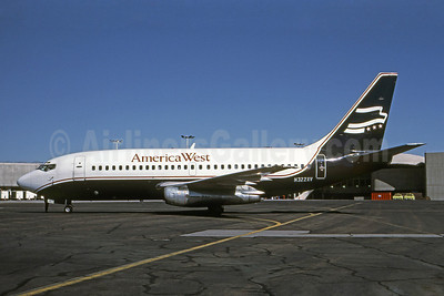 America West Airlines Boeing 737-219 N322XZ (msn 19930) (Presidential Airways colors) LAX (Brian G. Gore - Bruce Drum Collection). Image: 101084.