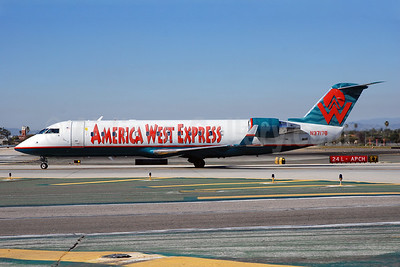 America West Express-Mesa Airlines Bombardier CRJ200 (CL-600-2B19) N37178 (msn 7178) LAX (Bruce Drum). Image: 100322.
