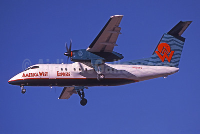 America West Express-Mesa Airlines Bombardier DHC-8-202 (Q200) N454YV (msn 454) PHX (Bruce Drum). Image: 101114.