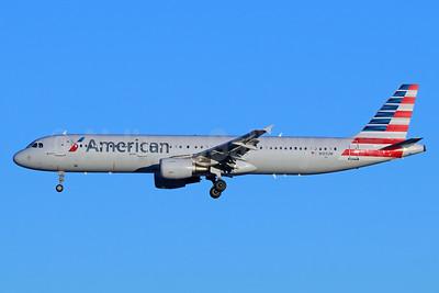 American Airlines Airbus A321-211 N189UW (msn 1425) SEA (Michael B. Ing). Image: 938471.