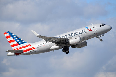 American Airlines Airbus A319-112 WL N9019F (msn 6154) MIA (Bruce Drum). Image: 104349.