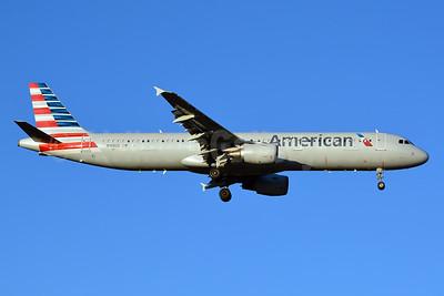 American Airlines Airbus A321-211 N188US (msn 1724) CLT (Jay Selman). Image: 402634.
