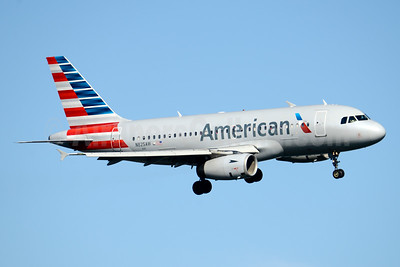 American Airlines Airbus A319-132 N825AW (msn 1527) DCA (Jay Selman). Image: 403570.