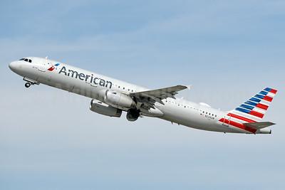 American Airlines Airbus A321-231 N524UW (msn 3977) LAX (Jay Selman). Image: 403978.