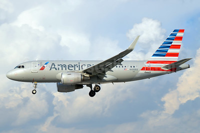 American Airlines Airbus A319-115 WL N4005X (msn 5753) MIA (Bruce Drum). Image: 104443.