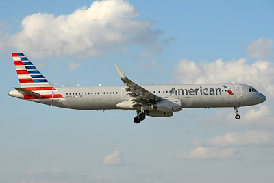 American Airlines Airbus A321-231 WL N995AN (msn 7301) MIA (Jay Selman). Image: 403596.