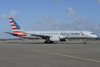 American Airlines Boeing 757-2B7 WL N939UW (msn 27303) AMS (Ton Jochems). Image: 926540.