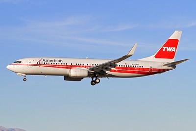 American Airlines-TWA Boeing 737-823 WL N915NN (msn 33227) (TWA colors) LAS (Derin Allard). Image: 931191.