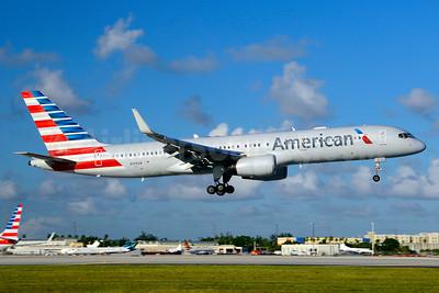 American Airlines Boeing 757-223 WL N199AN (msn 32393) MIA (Jay Selman). Image: 403682.