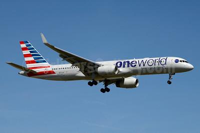 American Airlines Boeing 757-223 WL N174AA (msn 31308) (Oneworld) JFK (Jay Selman). Image: 403419.