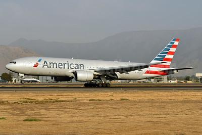 American Airlines Boeing 777-223 ER N762AN (msn 31479) SCL (Ken Petersen). Image: 938790.