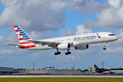 American Airlines Boeing 757-223 WL N691AA (msn 25697) MIA (Jay Selman). Image: 403692.
